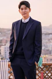 チャン・ソンギョル(ユン・ギュンサン)